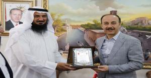 Kuveyt Ve Katarlılar Eğitime Destek Veriyor