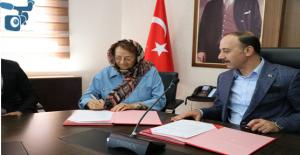 Urfa'da Emekli Öğretmenden Eğitime Destek