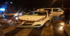 Urfa'da İki Araç Çarpıştı, 4 Yaralı