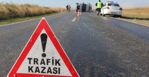 Halfeti'de Kamyonet Otomobil İle Çarpıştı, 10 Yaralı