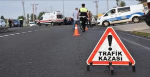 Urfa'da Otomobil Şarampole Devrildi, 1 Ölü, 4 Yaralı