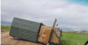 Urfa'da askeri araç devrildi