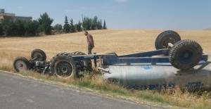 Urfa'da traktör devrildi, 1 ölü