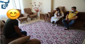 İhtiyaç Sahibi Ailelere Alışveriş Kartları Teslim Ediliyor