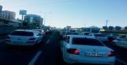 Çevik kuvvet kavşağında trafik kilitleniyor