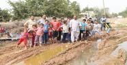Köy pis sularla boğuşuyor