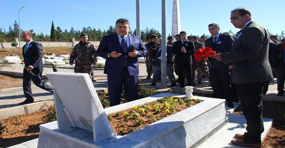 Tipioğlu, Şehit Anıtına Çelenk Bıraktı