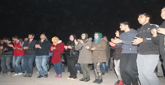 Topçu Meydanında kutlama