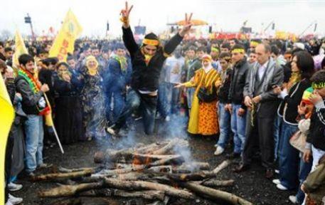 Türkiye'nin gözü Diyarbakır'daki Nevruz töreninde