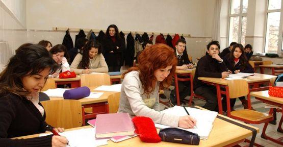 Üniversiteye hazırlananlar derse devam