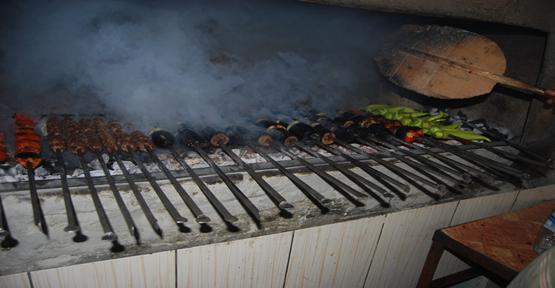 Urfa'da iftar sofraları