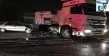 Şanlıurfa'da Otomobil ile Tır Çarpıştı,  1'i Çocuk 3 Ölü, 1 Yaralı