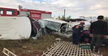 Şanlıurfa'da Minibüs İle Yakıt Yüklü Tanker Çarpıştı, 8 Yaralı