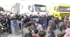 Şanlıurfa-Mardin Karayolunu Ulaşıma Kapattılar