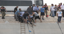 Urfa'da 2 kepçe operatörü serinlemek isterken suda  boğuldular
