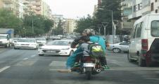 Şanlıurfa'da tehlikeli yolculuk