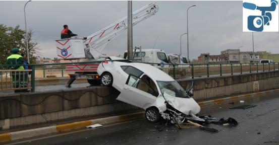 Yeşildirek köprüsünde kaza; 2 Yaralı