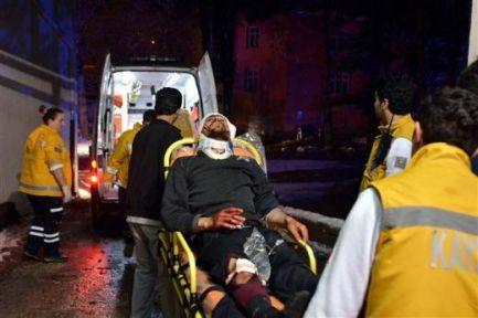 Yolcu Otobüsü Şarampole Devrildi: 20 Ölü