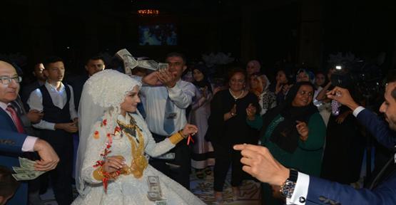 Menderes Kızının Düğünde Dolarlar Havada Uçuştu