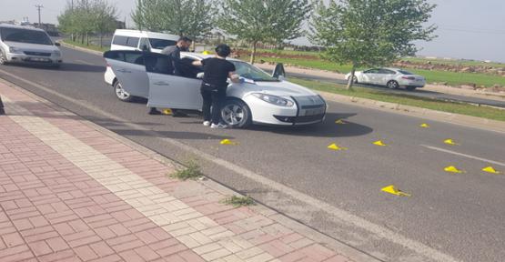 Urfa'da otomobil silahla tarandı, 1 ölü, 1 yaralı