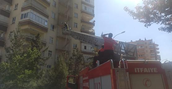 Şanlıurfa'da 5'inci katta çıkan yangında 1 kişi dumandan etkilendi