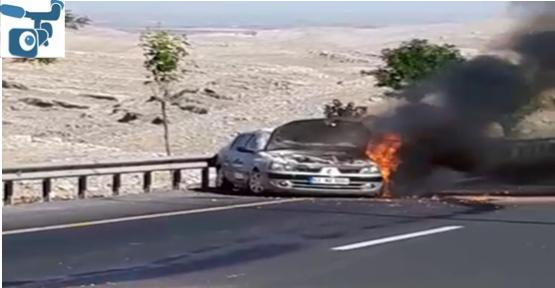 Urfa'da seyir halindeki otomobil yandı