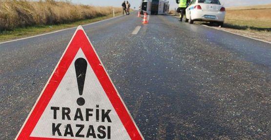 Urfa yolunda tır ile otomobil çarpıştı, 2 ölü