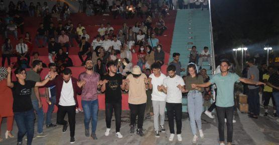 Viranşehir Belediyesinden YKS öğrencilerine moral gecesi