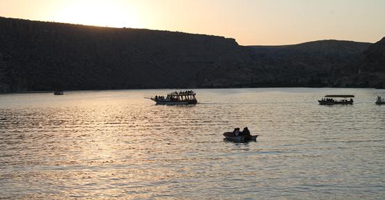 Halfeti,  halfa sonu yerli ve yabancı turistleri ağırladı