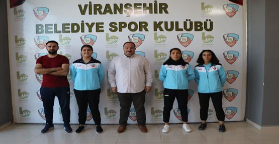 Başkan Ekinci Türkiye derecesi yapan öğrencileri tebrik etti
