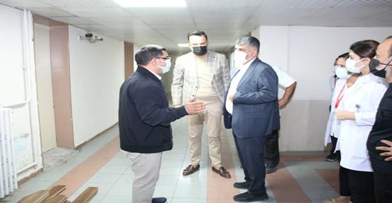 İl Sağlık Müdürü Gülüm'ün hastane ziyaretleri sürüyor