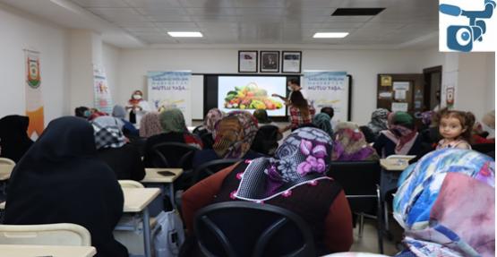 Kursiyerlere obezite ile mücadele semineri