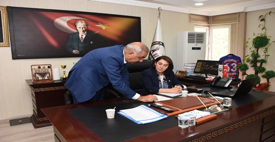 Milletvekili Açanal Başkan Bayık'ı ziyaret etti