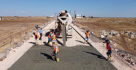 Hilvan'da ilk kez beton yol uygulanıyor