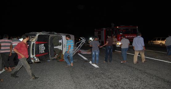 Akçakale Yolunda Trafik Kazası 8 Yaralı