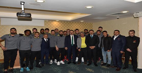 Bakan Çelik, Şanlıurfaspor'u ziyaret etti