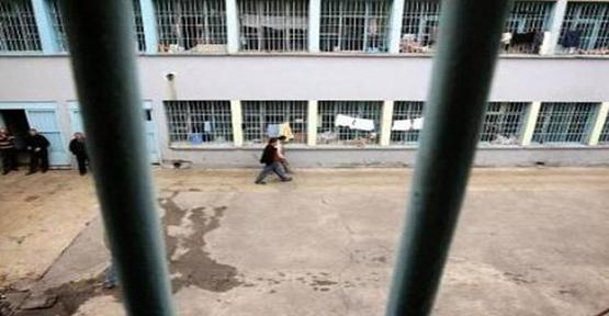 Cezaevi'nden 18 kişi firar etti