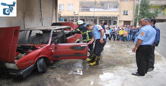 Garajda bulunan otomobil yandı