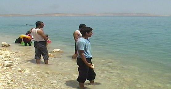 Göl' e giren genç boğuldu