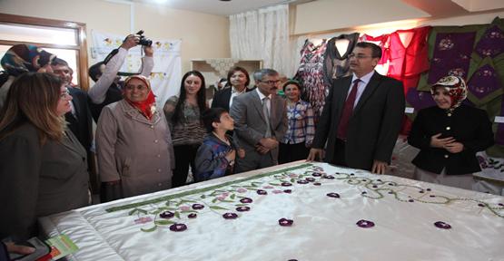 Kadın Kültür Merkezi Sergisi Açıldı