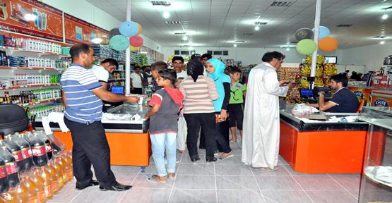 Mültecilere alışveriş semineri