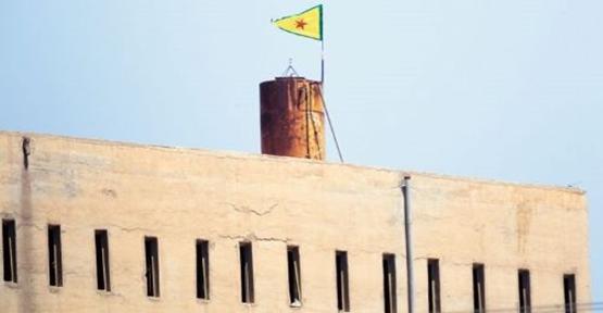 Pyd Bayrağı İndi, Kürt Ulusal Konseyi Bayrağı Asıldı