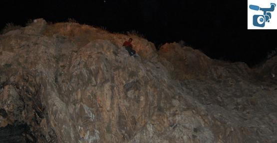 Şanlıurfa kalesinde şarkılı intihar girişimi