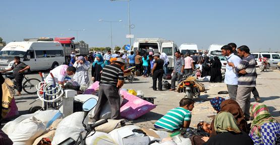 Suriyeliler Akçakale sınır kapısında