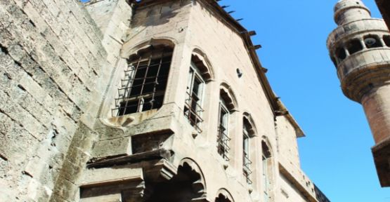 Tarihi Evler Onarım Bekliyor