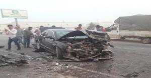 Şanlıurfa#039;da iki otomobil çarpıştı,...