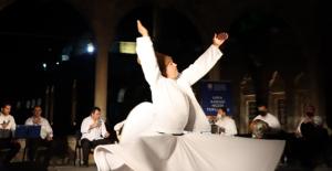 Halil-Ür Rahman'da ilahi dinletisi