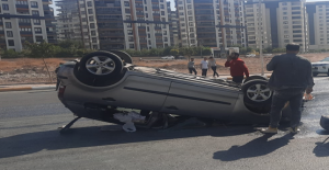 Karaköprü'de otomobil takla attı!