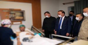 Vali Erin, yaralı komiseri yardımcısını hastanede ziyaret etti