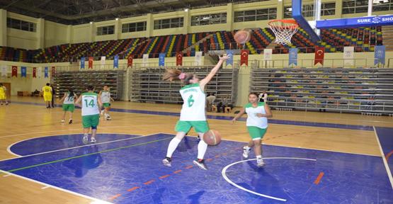 Üniversite basket takımı hazır